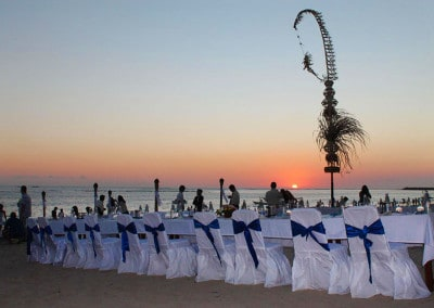 Beach wedding dinner
