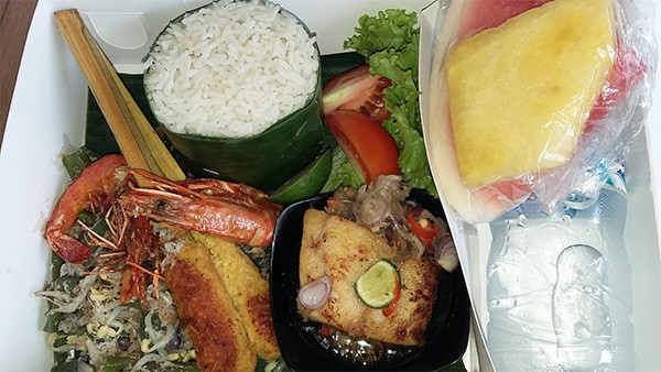 filled box by Rayunan Bali Catering